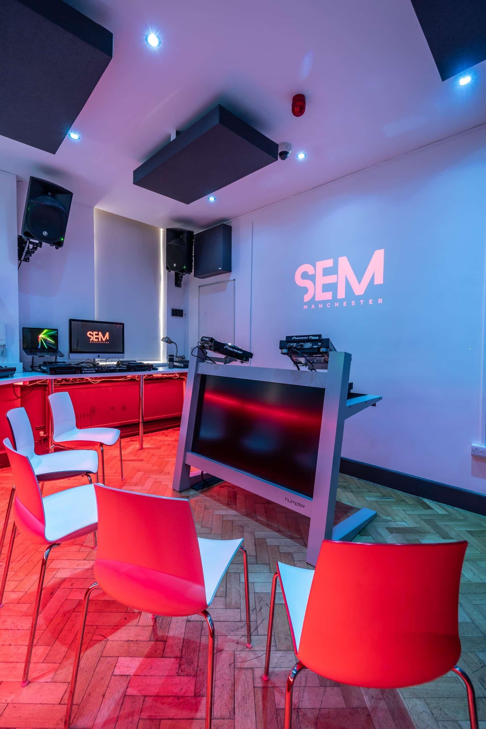 SEM-DJ-Lab-1-15-V2