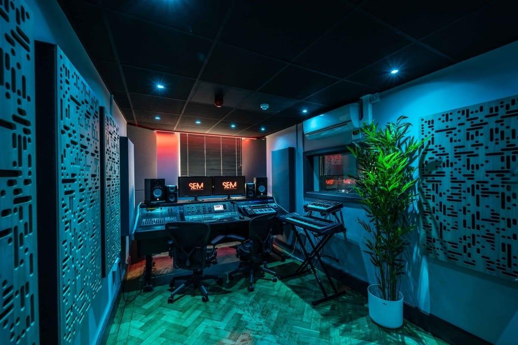 SEM-Studio-2A-4V2